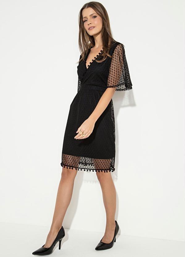 9514192fc4 vestido quintess curto preto e fita de pompom. Carregando zoom.