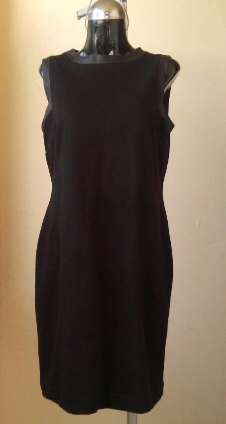 Vestido negro con aplicaciones de piel