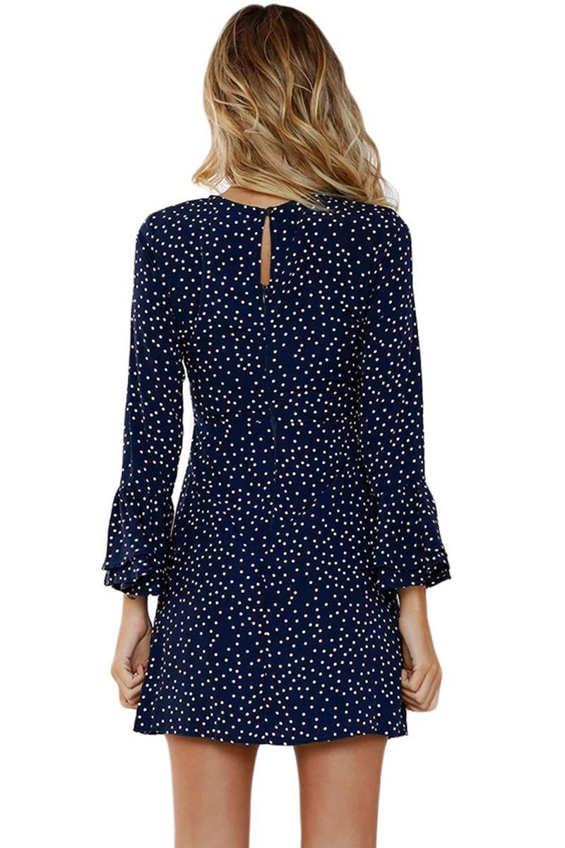 Vestido azul marino con puntos blancos