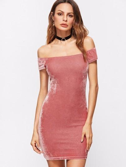 824537267b818 Vestido Rosa Con Hombros Al Aire En Terciopelo -   39.000 en Mercado ...