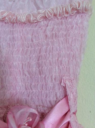 vestido rosa de encaje y organza