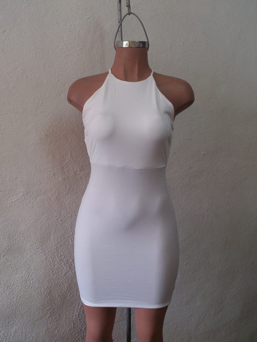 vestido sexy blanco de tirantes espalda desnuda antro fiesta