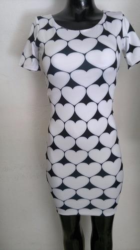 vestido sexy negro estampado corazones en blanco moda retro