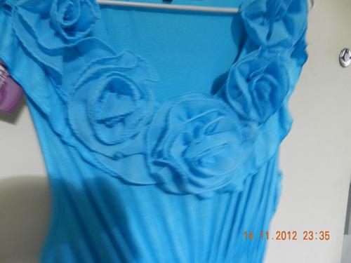 vestido sin manga, corto, con delicadas flores de tela!!!!!
