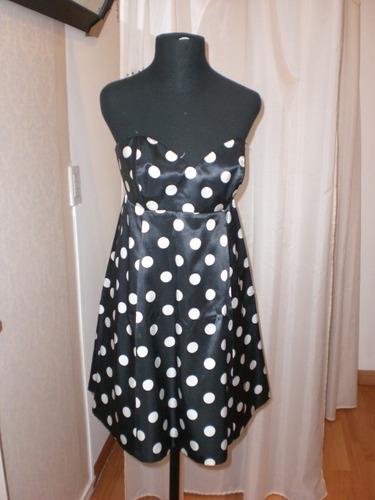 vestido strapless corto. *