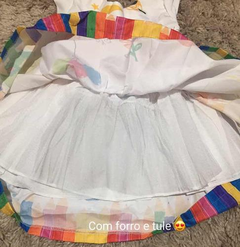 vestido temático arco íris tamanho 4