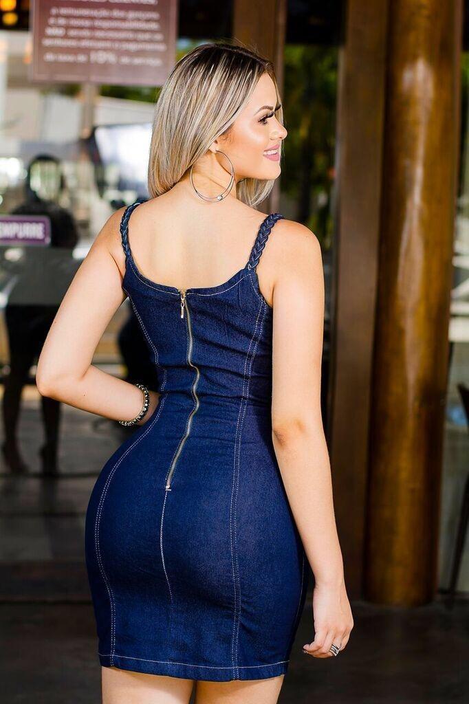 2fc0ce185 vestido tubinho jeans com lycra e detalhe alça trançada. Carregando zoom.