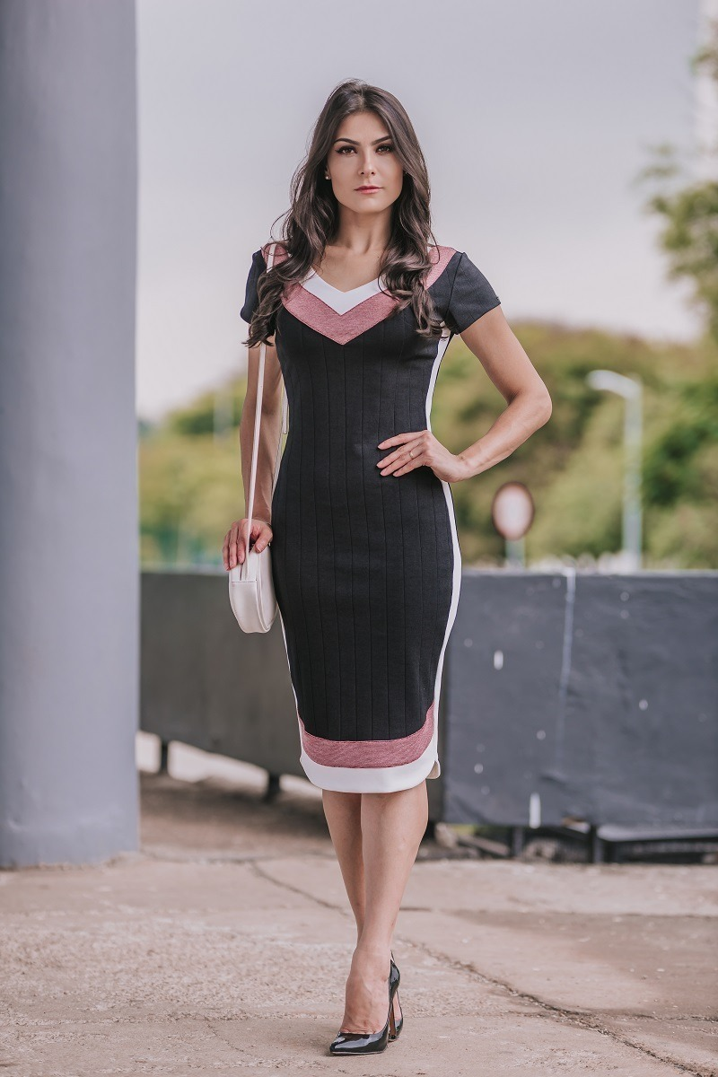 d3d2230c89 vestido tubinho preto gg - luciana pais - moda evangelica. Carregando zoom.
