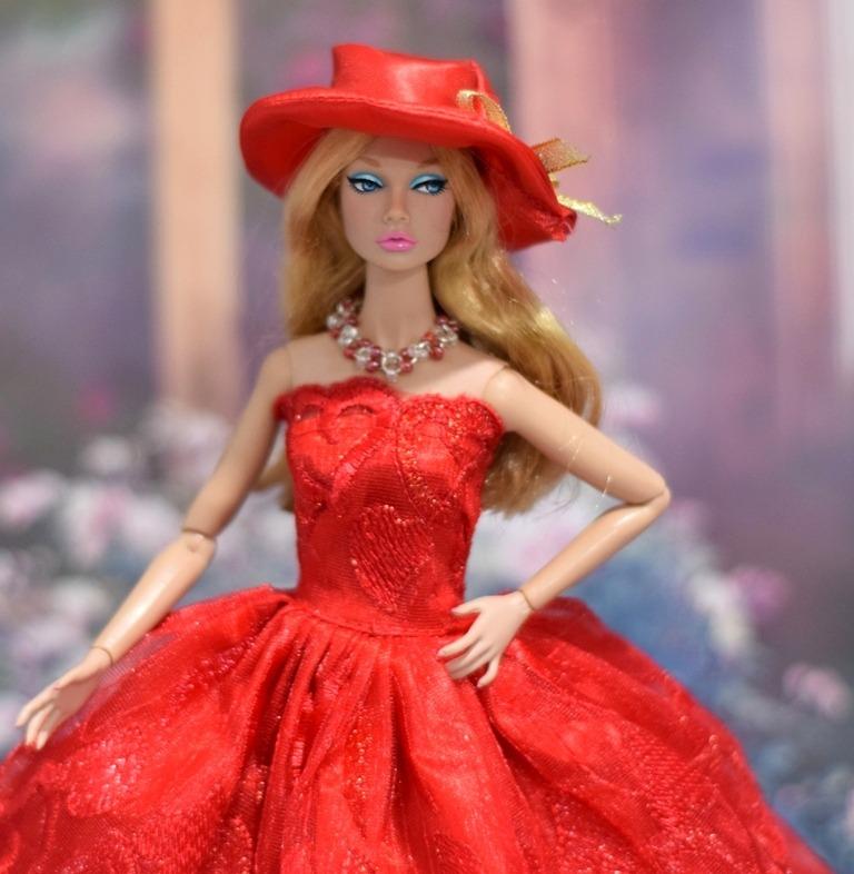Vestido Vermelho Pra Boneca Barbie   Chapéu + Colar + Sapato - R  45 ... 1e36b2d3a88