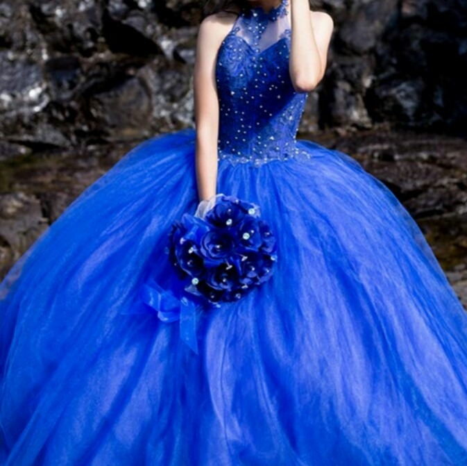 Vestido de xv en azul rey