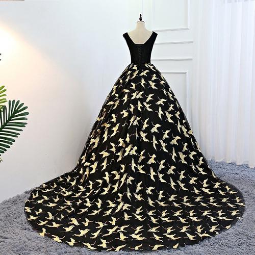 vestido xv años estampado floral con cola
