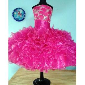 8af6136822 Vestido De Escarolas Para Salida De Sexto Año. Color Fiusha.