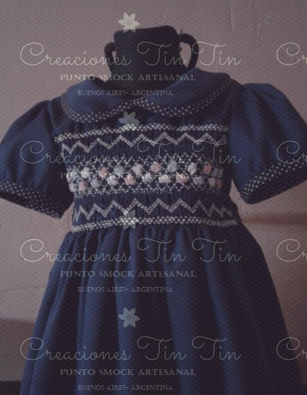 Vestidos de nina bordados en punto smock