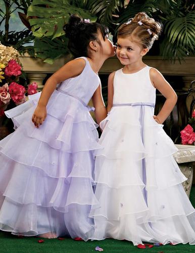vestidos de niñitas; bautizo,fiesta, matrimonios y pajes