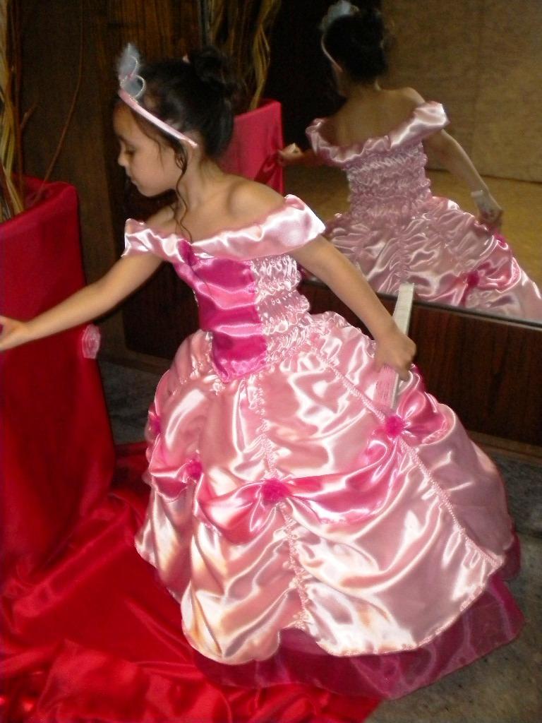 Único Vestido De Novia De La Princesa Katherine Adorno - Colección ...