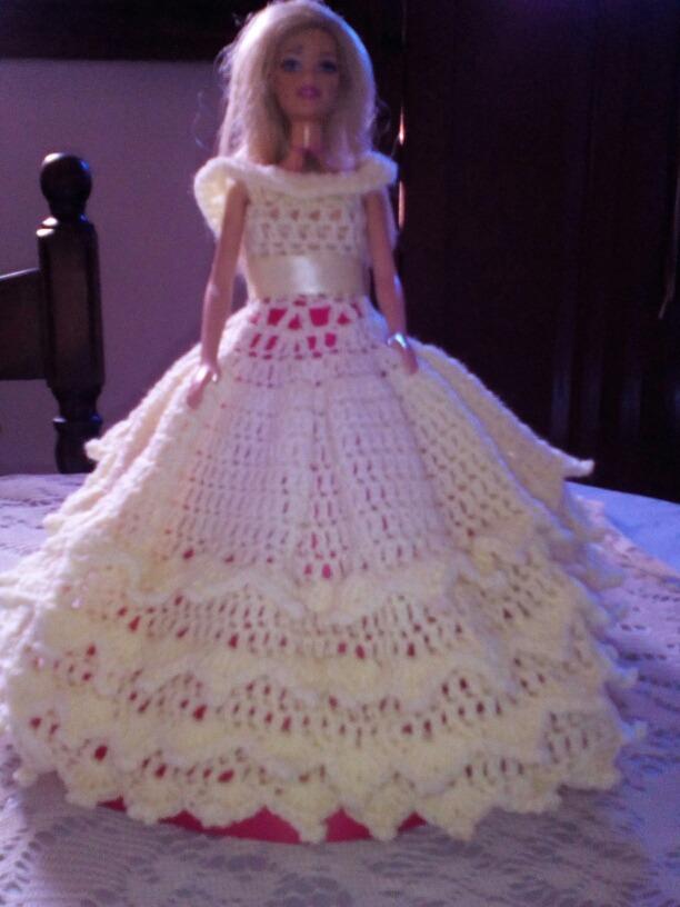 Vestidos Muñecas Barbie Y Otras Creaciones En Crochet