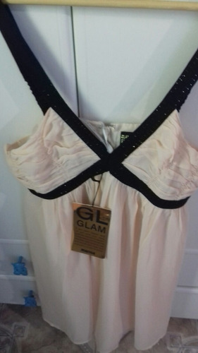 vestidos novos com a etiquetas