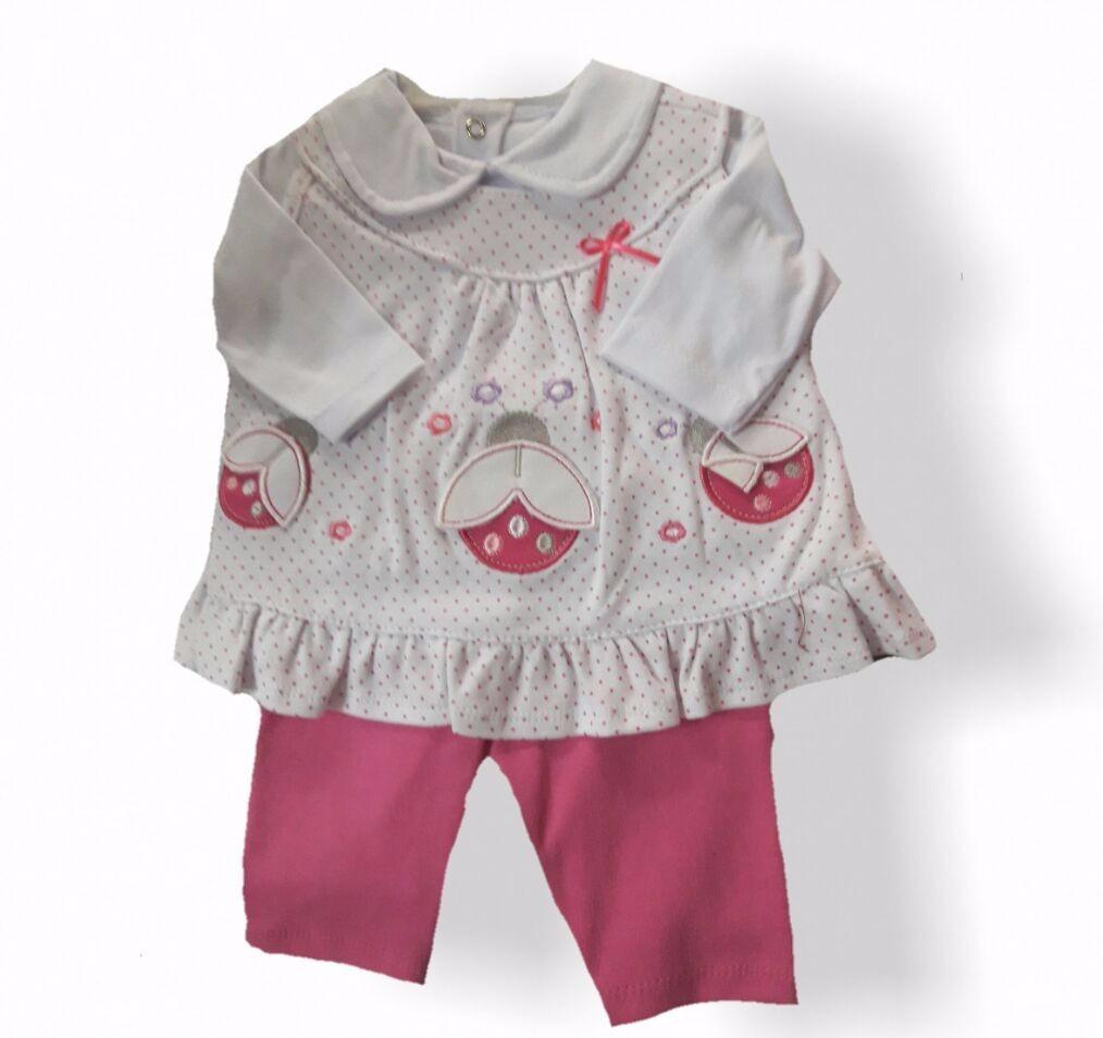 Cómoda y práctica, en preciosos colores o con estampados, tenemos ropa y accesorios para cualquier necesidad de tu bebé niña. Tejidos suaves y diseños funcionales .