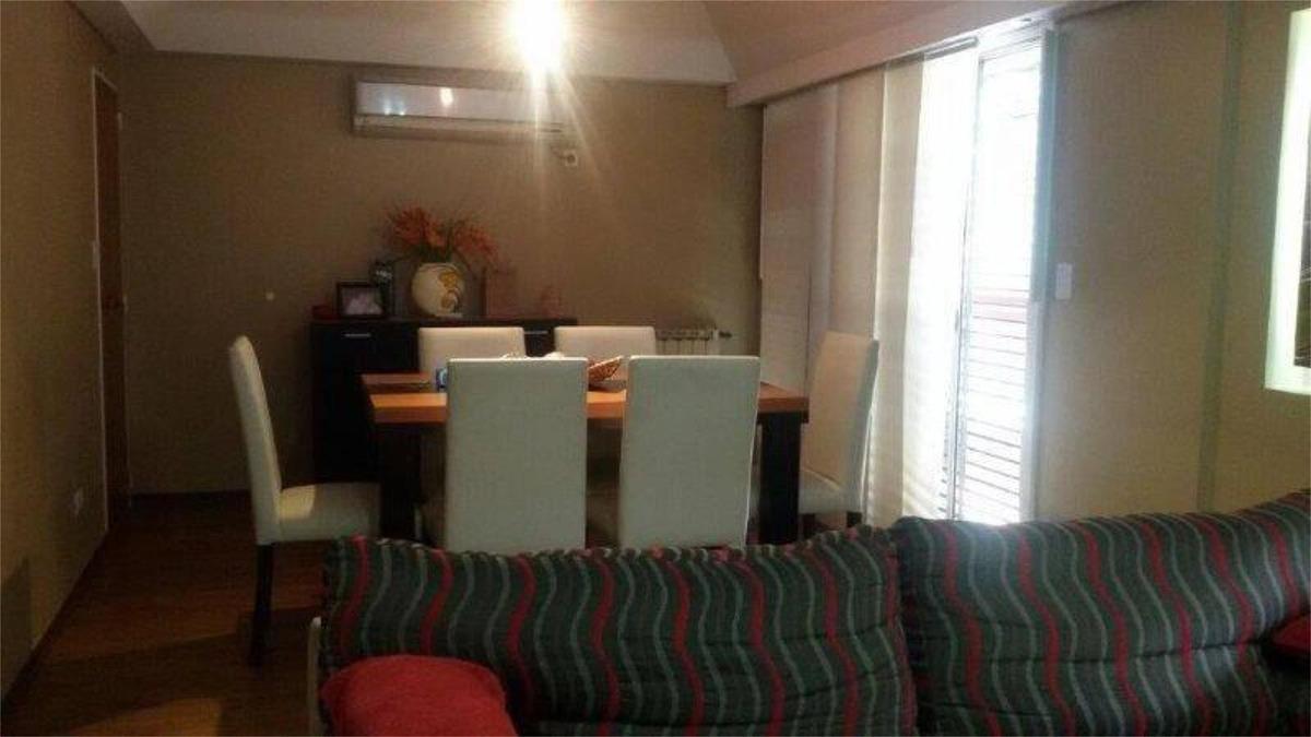veta de casa 5 ambientes 4 baños 3 cocheras - boedo