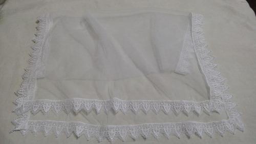 véu em tule e renda branco