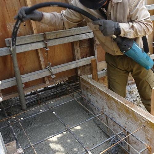 vibrador de concreto con guaya 3.5 mts makita vr1000