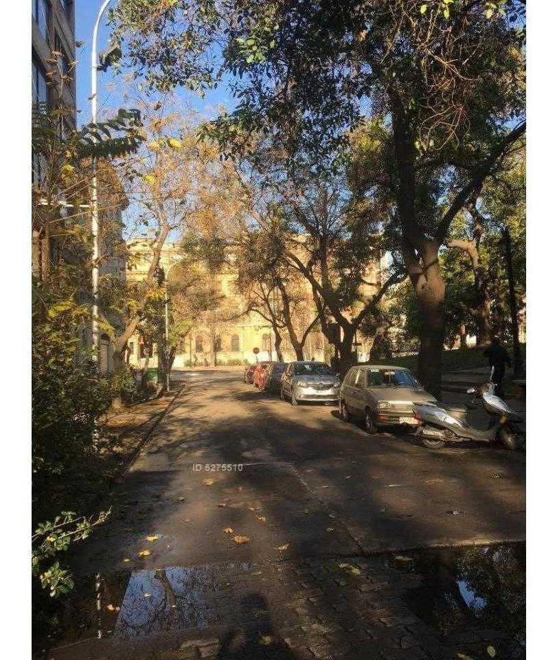 victoria subercaseaux - barrio lastarria