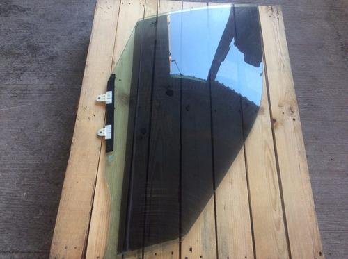 vidrio cristal puerta delantera derecha nissan sentra 01-06