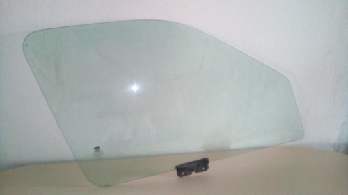 vidrio de puerta delantero derecho de fiesta balita usado.