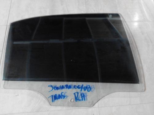 vidrio puerta trasera derecha sonata 2006-2008 usado