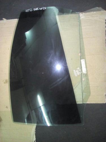 vidrio puerta trasero izquierdo neon 2000