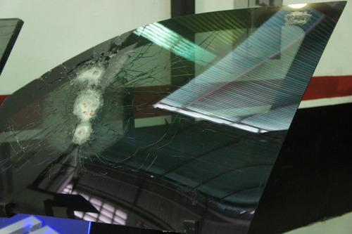 vidrios blindados para todo tipo de vehículos y estructuras.
