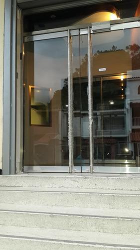 vidrios blindados. taquillas, gavetas y puertas blindadas.