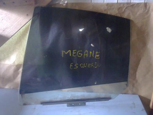 vidro da porta traseira esquerda renault megane 2000