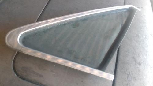 vidro lateral tras dir com friso santana gls