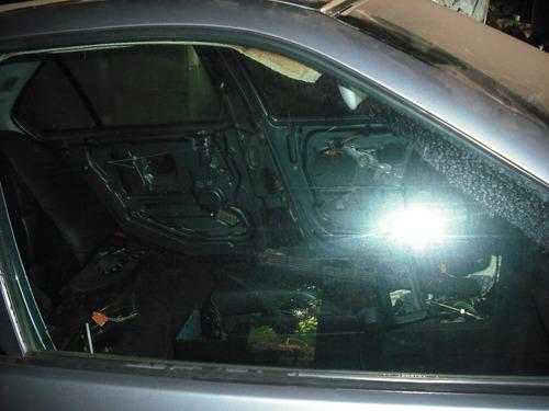 vidro porta dianteira lado direito  bmw 325i 328i 1995