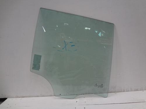 vidro porta traseiro direito bmw x3 11/16 saint gobain