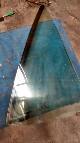 vidro traseiro do marea weekend o pequeno triângulo