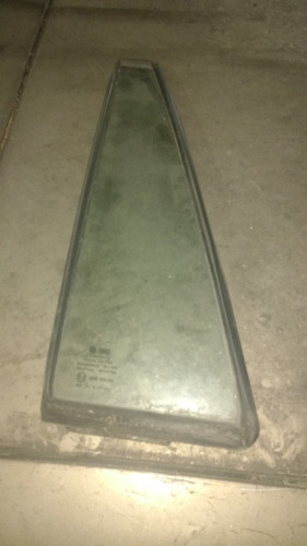 vidro vigia porta traseira esq santana original vw