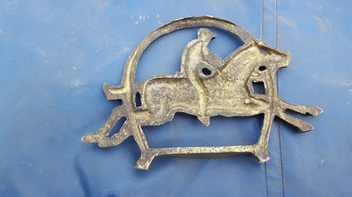 viejo aplique de bronce con forma de estribo caballo jockey