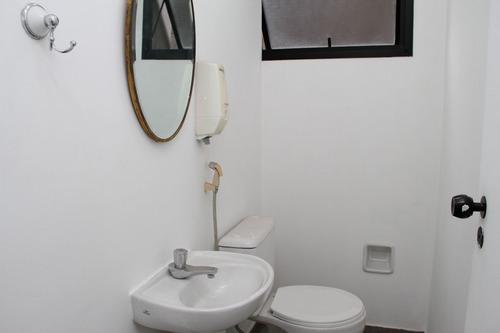 vila olimpia  sala comercial 46m2 perto dos shoppings copa 2 banheiros e 1 vaga - codigo: cj0002 - cj0002