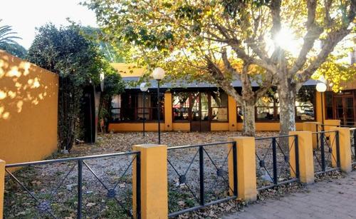 villa allende - excelente ubicación en polo comercial