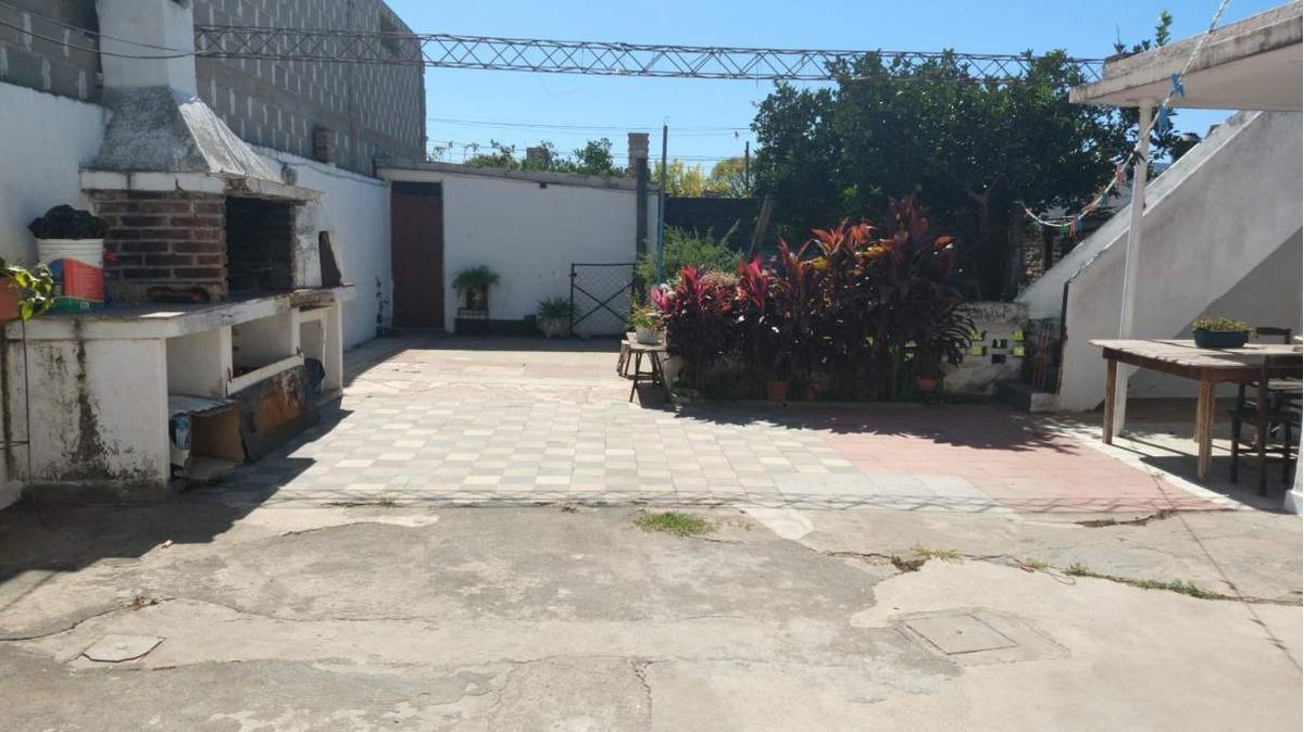 villa azalais - gustavo marambio 1239 - venta casa 3 dormitorios con gge y patio grande