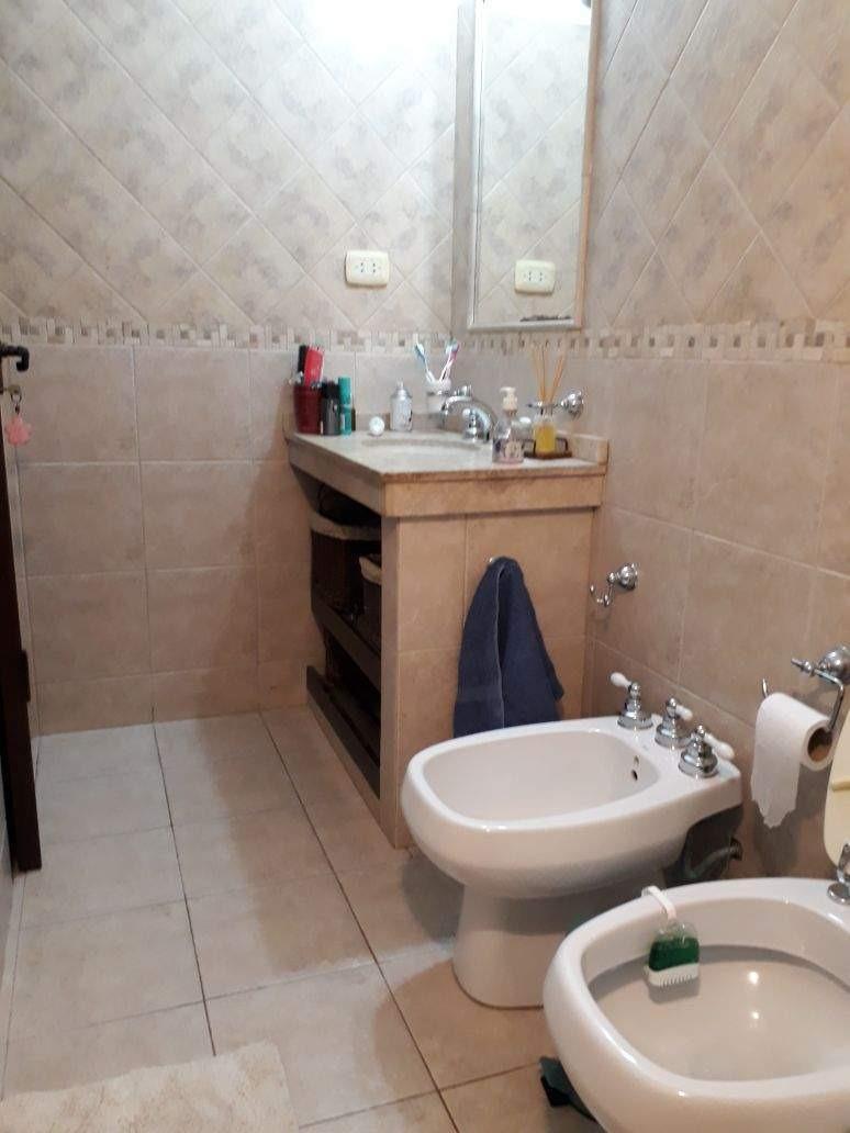 villa belgrano - 3 dorm. piscina -mts. av. gauss - alquilada - solo inversión