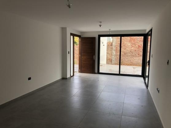 villa belgrano - dúplex 3 dormitorios housing. suite en pb