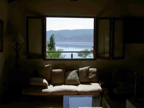 villa carlos paz  b. priv. guardia junto al lago. dueño