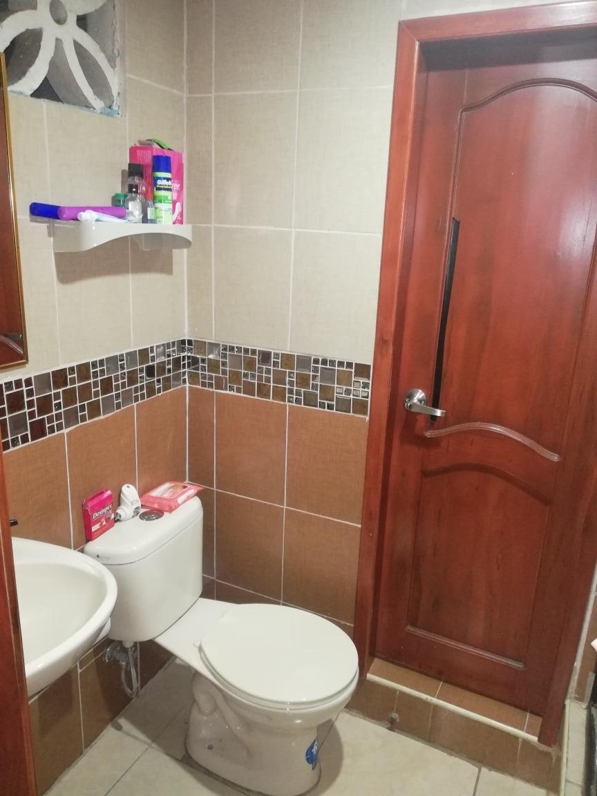 villa de 2 cuartos comparten un baño,sala comedor cocina