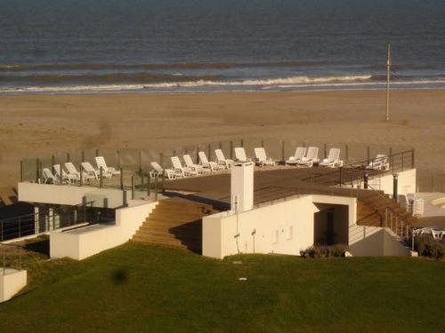villa de mar espectacular vista al mar sobre la arena