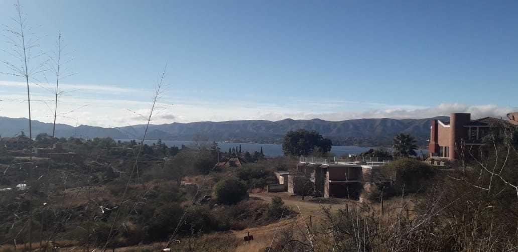 villa del lago  con escritura 1200 mts