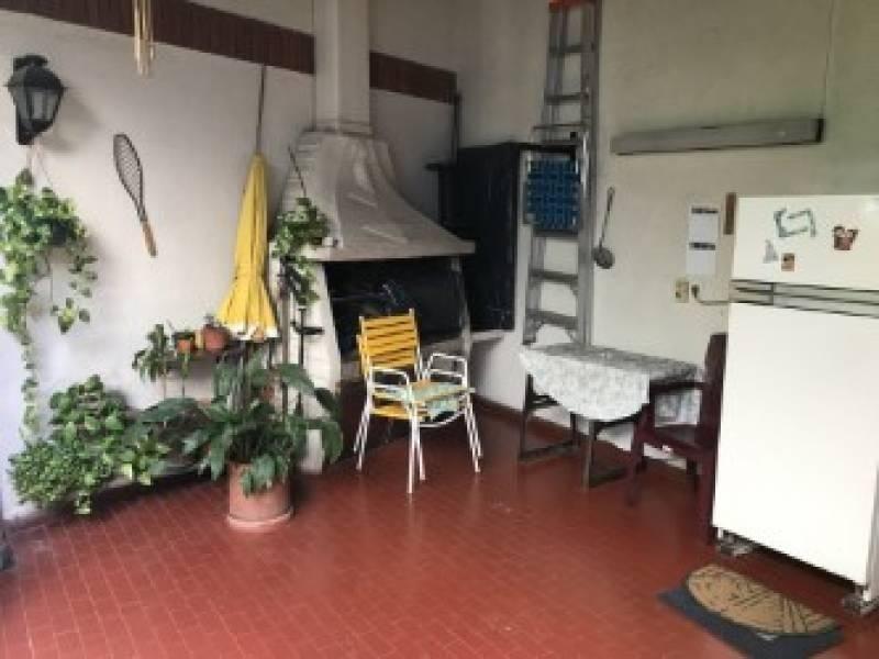 villa devoto casa de 5 ambientes, suite, 3 baños, patio, jar
