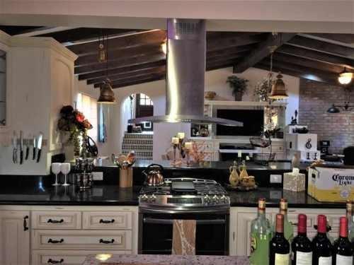 villa elegante santa carmela - mls#18-1701